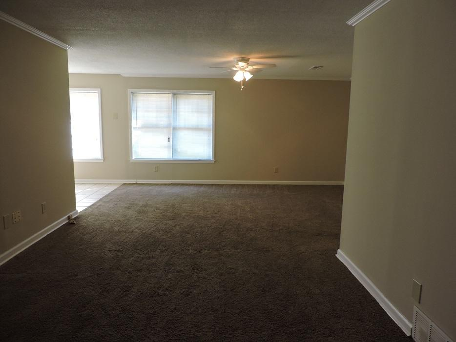 $995 Three bedroom Apartment for rent