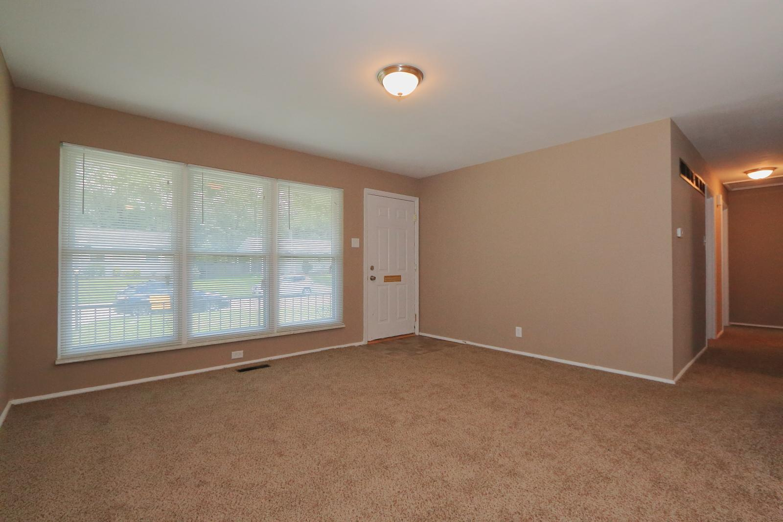 $1200 Three bedroom Apartment for rent