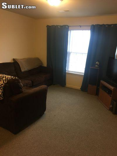 $400 Three bedroom Apartment for rent