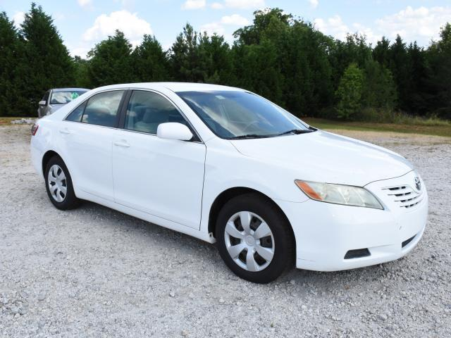 2007 white Toyota Camry in good condition