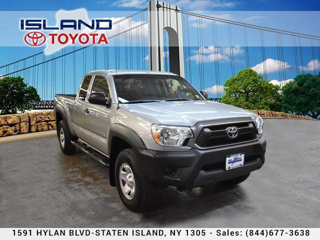 Toyota Tacoma 2WD Access Cab I4 AT PreRunner 2015