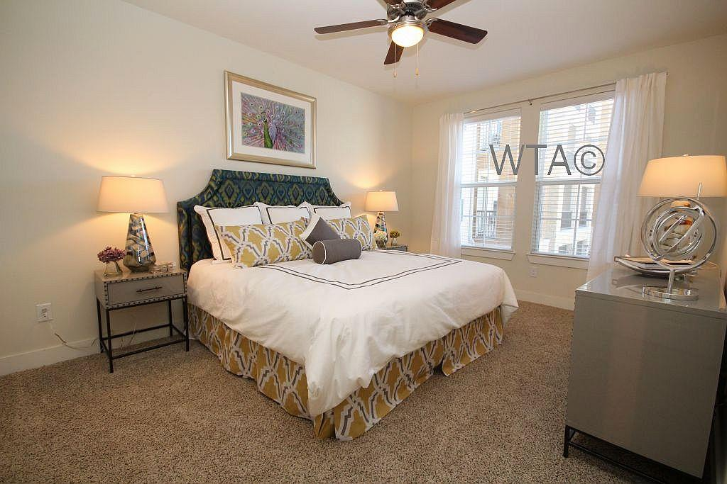 $1819 Three bedroom Apartment for rent