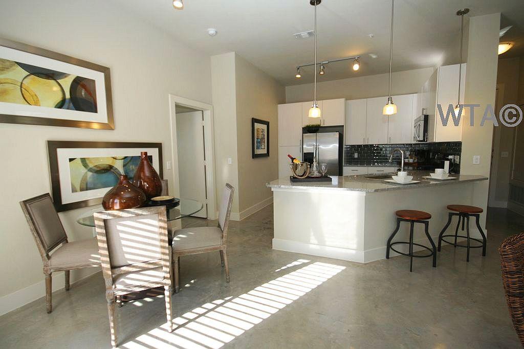 $1670 One bedroom Loft for rent