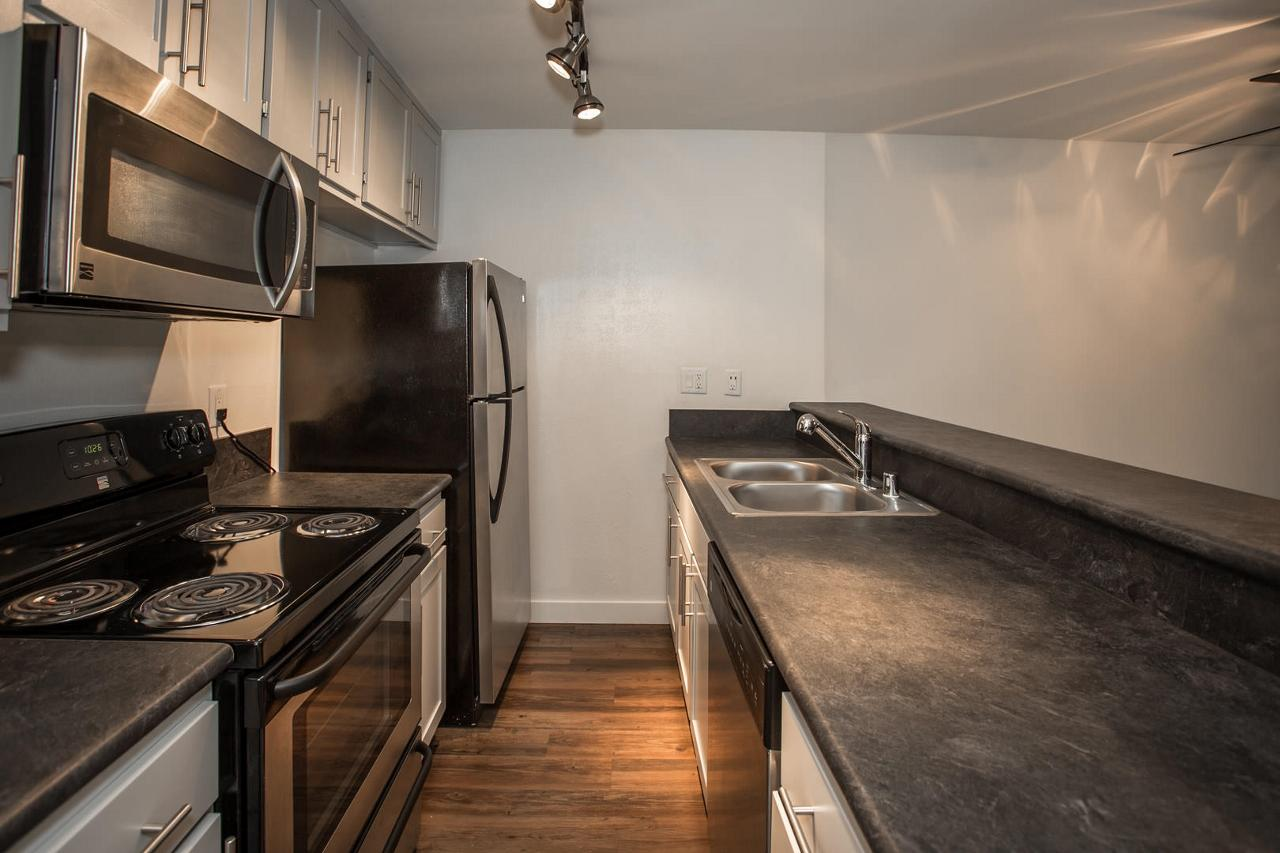 $2025 Studio Apartment for rent