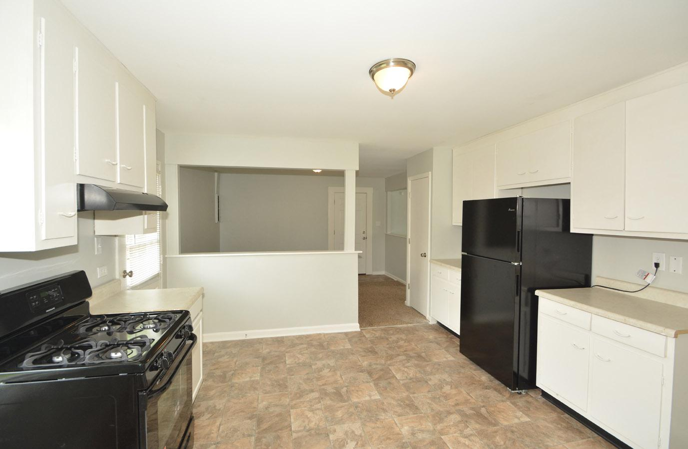 $1105 Three bedroom Apartment for rent
