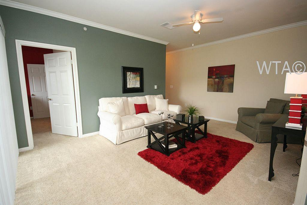 $1490 Three bedroom Townhouse for rent