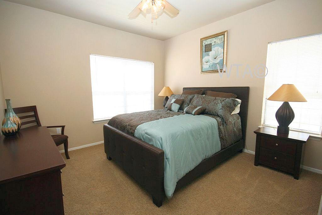 $1365 Three bedroom Apartment for rent