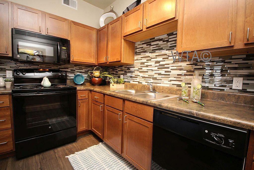 $1369 Three bedroom Apartment for rent