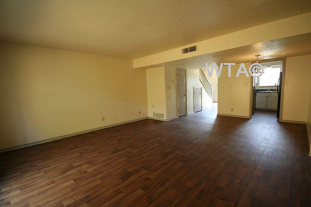 $1272 Three bedroom Apartment for rent