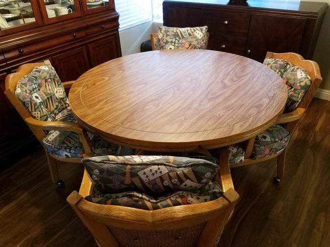 Round Table, 4 Chairs and Leaf