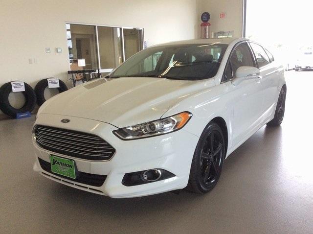 Ford Fusion SE 2016