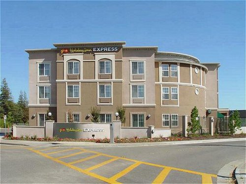 Holiday Inn Express Windsor Sonoma Wine Country