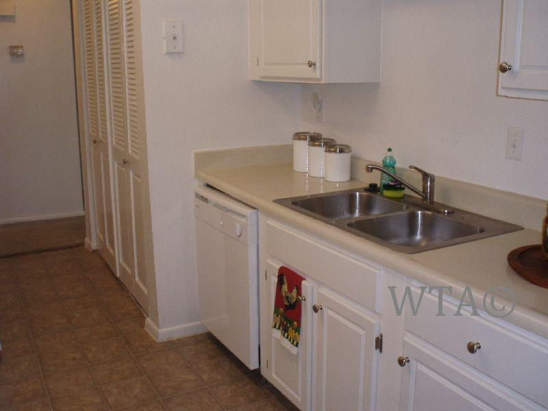 $1290 Three bedroom Apartment for rent