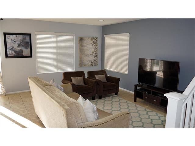 Located Close to Schools in Sierra Lakes Golf Course Community