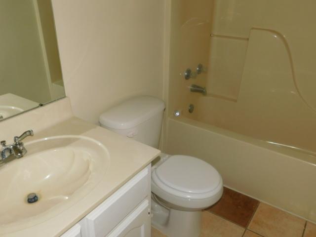 $1035 Three bedroom Apartment for rent