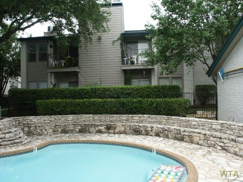$1660 Two bedroom Townhouse for rent