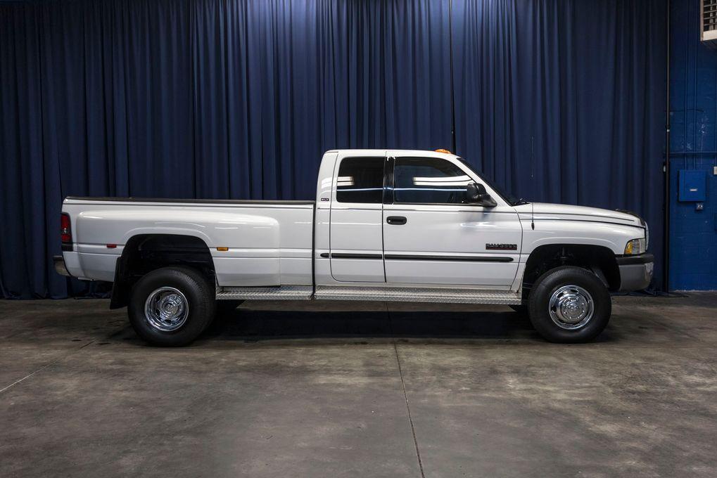 Dodge Ram 3500 3500 SLT Dually 4x4 2001