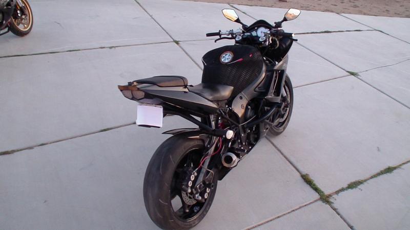 2003 NITROUS Yamaha R6 Stunt Bike Black $4,000 Bike/Helmet/Gloves - (san bernardino)
