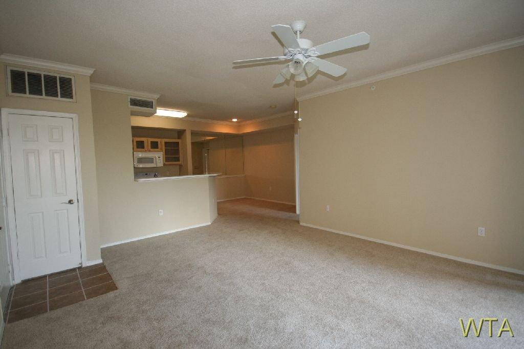 $2048 Three bedroom Apartment for rent