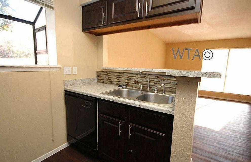 $1005 Two bedroom Apartment for rent