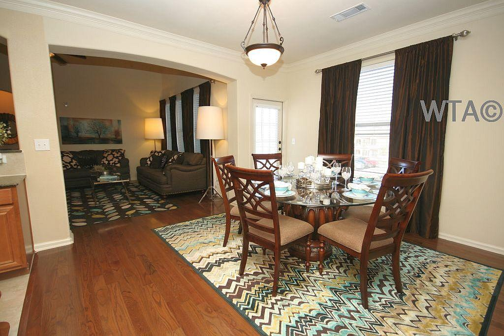 $1999 Three bedroom Apartment for rent