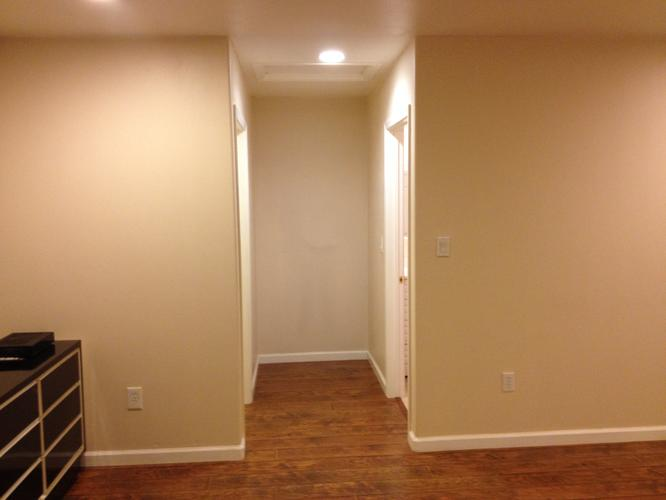 $850 / 415ft2 - LARGE, PRIVATE MASTER BEDROOM & BATHROOM FOR RENT.