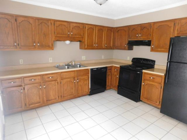 $1290 Four bedroom Apartment for rent