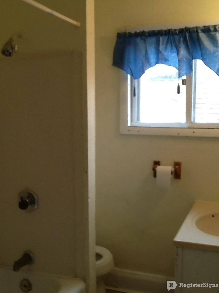 $595 Three bedroom Townhouse for rent