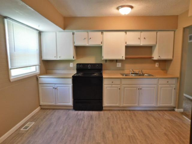 $850 Four bedroom Apartment for rent