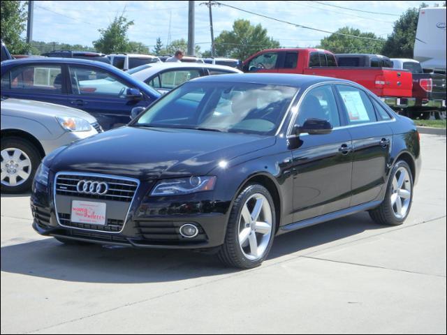 Audi A4 2.0T Premium Plus 2012