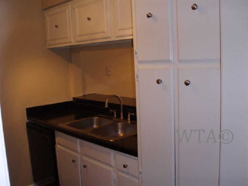 $1029 Three bedroom Apartment for rent