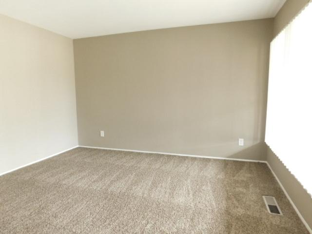 $1175 Three bedroom Apartment for rent