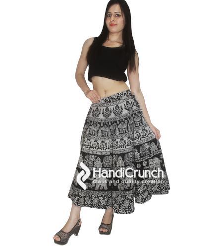 Add an Elegance to Women Looks with Mandala Raprons