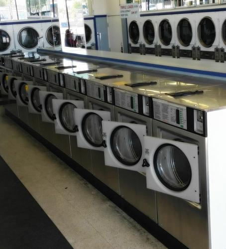 Wascomat Coin Operated Commercial Front Load Washer W125 USED