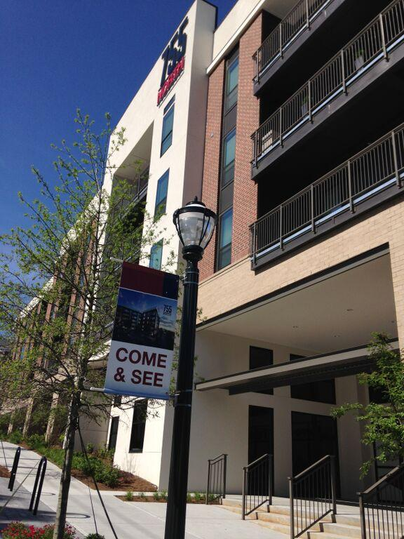 $2070 One bedroom Apartment for rent
