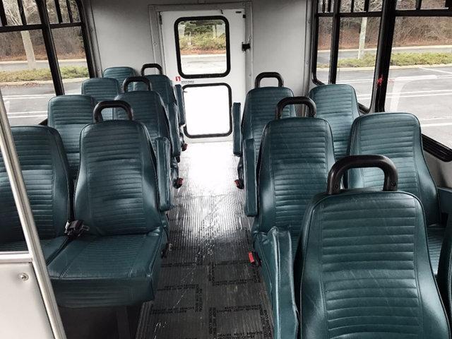 2007 Ford E350 Non-CDL Shuttle Bus w/ Co-Pilot Seat