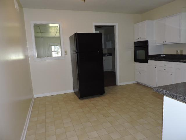$1055 Three bedroom Apartment for rent