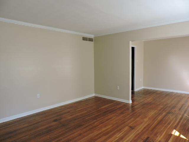 $775 Three bedroom Apartment for rent