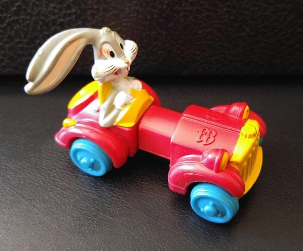 VINTAGE 1992 WARNER BROS BUGS BUNNY EXPANDABLE CAR