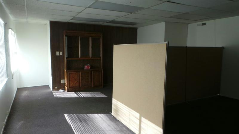 Office for rent in a beach city just $625