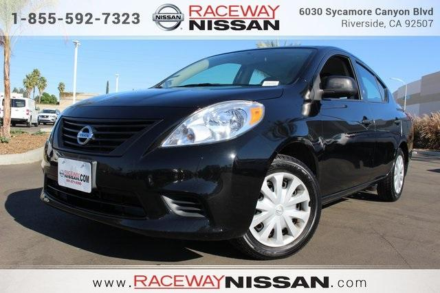 Nissan Versa 1.6 S 2014