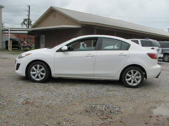 2010 Mazda A3, Auto, Economical, Like New!!.