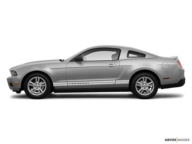 Ford Mustang BASE 2010