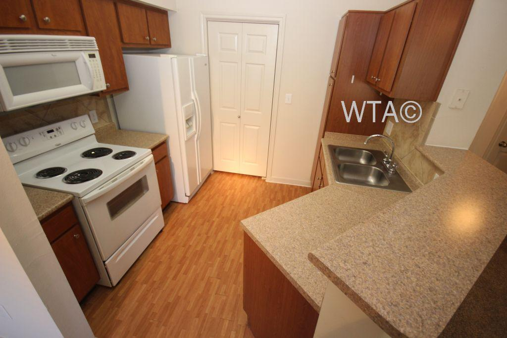 $1044 Two bedroom Apartment for rent