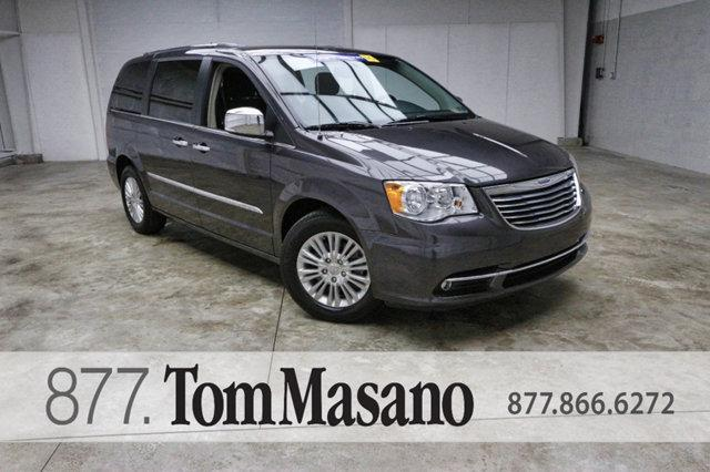 Chrysler Town & Country 4dr Wagon Limited 2016