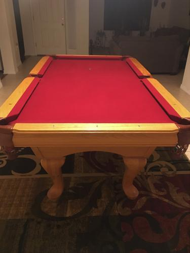 Beautiful 7' Oak Pool Table-FREE DELIVERY and SET-UP INCLUDED!!