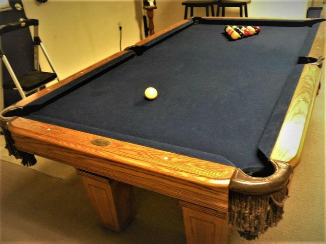 SPECTACULAR 7' Leisure Bay Pool Table- FREE DELIVERY AND SET-UP INCLUDED!!
