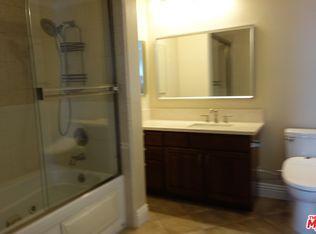 3 beds 3 baths 1,495 sqft