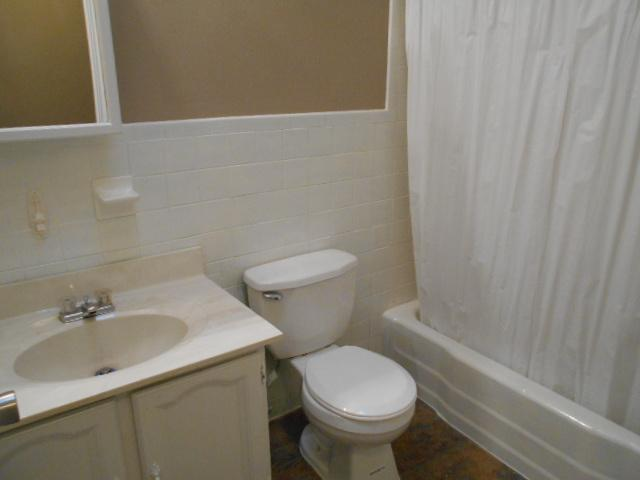 $799 Three bedroom Apartment for rent