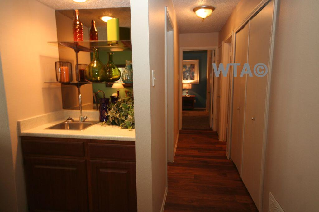 $901 One bedroom Townhouse for rent